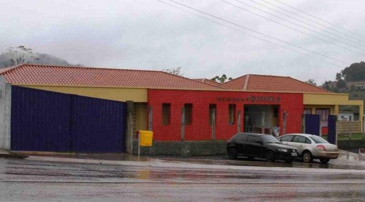 Fachada da creche na cidade de Saudades, em Santa Catarina.
