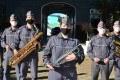 Ana Fidêncio à frente de alguns componentes da Banda Regimental de Música do Comando de Policiamento do Interior (CPI-7): primeira mulher na banda da polícia. - FÁBIO ROGÉRIO