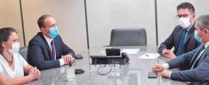 Prefeito Rodrigo Manga foi recebido por Alex Carreiro, assessor especial da presidência do INSS em Brasília