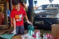 Caleb de Castro Lopes, 10 anos, faz a coleta seletiva há três anos. - ARQUIVO PESSOAL