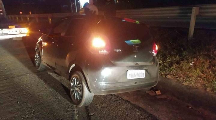 O motorista trafegava no sentido interior da rodovia Raposo Tavares (SP-270), quando colidiu na traseira da motocicleta