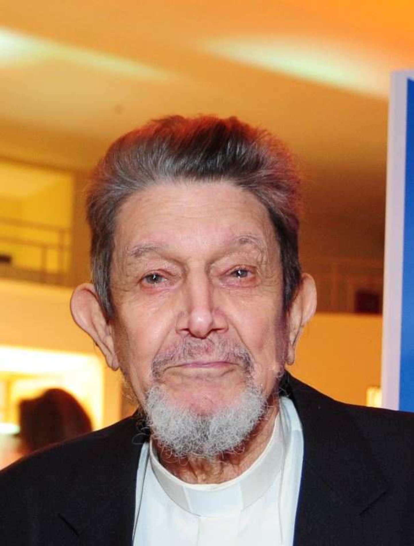Reverendo Matheus Benevenuto Júnior.