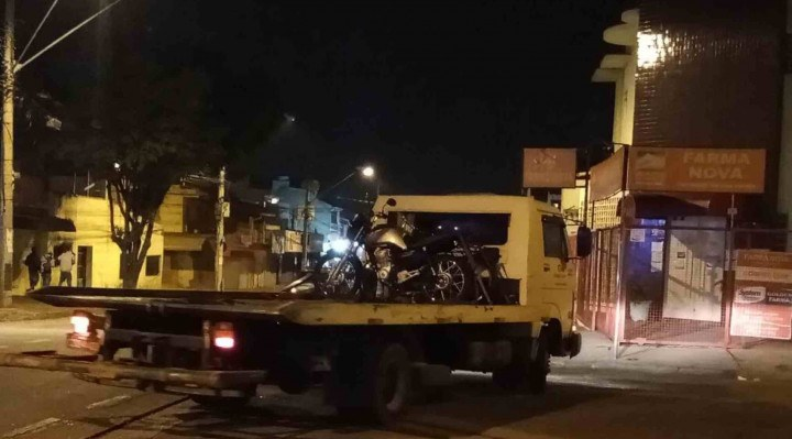 Dos 46 veículos autuados, cinco foram apreendidos, sendo dois automóveis e três motocicletas