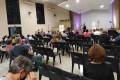 Moradores de Santa Rosália se reuniram em uma igreja ontem para se posicionar. - MARCEL SCINOCCA (17/8/2021)